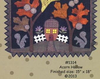 Primitive Folk Art Wool Applique Pattern - Acorn Hollow Table Mat