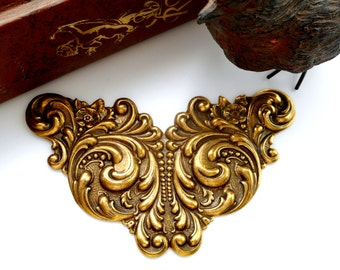 ANTIQUE BRASS Art Nouveau Scroll Cartouche Stampings - Jewelry Ornamental Findings (C-809) #