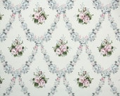 1930s Vintage Wallpaper - Pink and Gray Roses