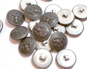 Pewter Buttons, Silvertone Metal Buttons 7/8 inch diameter x 20 pieces, Coat of Arms Design