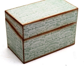 SALE Wood Recipe Box Vintage Spices Fits 4x6 Cards