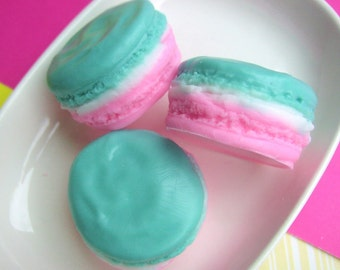 Macaron Soap. Apple Pie. Macaroon Soaps. Birthday party favors. Bridal shower favors. Gift for Her. Birthday Gift. Best Friend Gift.