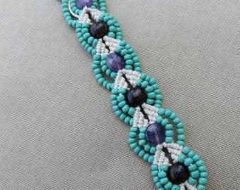 Macrame Bracelet with Amethyst Wood and Glass - Hemp Macramé Jewelry