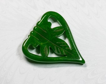 Large Art Deco Mid Green Bakelite Heart Shape Fur Clip, Carved Leaf Details,Bold Statement Piece,  Gift for Her