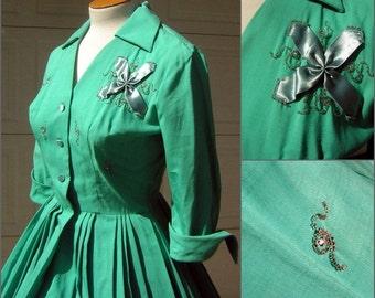 "Vintage 50s Green Rockabilly Party Dress Full Skirt Rhinestones & Beads - 27"" Waist"