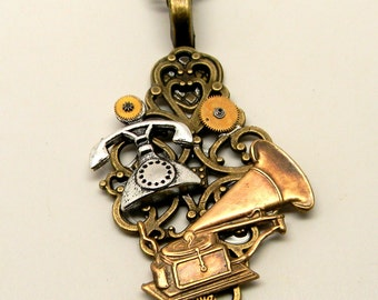 Steampunk jewelry. Steampunk necklace pendant.