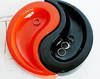 Vintage Yin Yang Ashtray - Haeger - Orange and Black - Ying Yang - Complimentary Forces - tray - catch all - tear drop