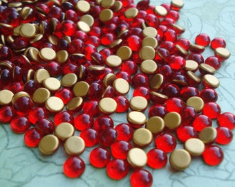 24 Tiny 5mm Czech Preciosa Ruby Red Gold foiled Flat Back Round Glass Cabochons
