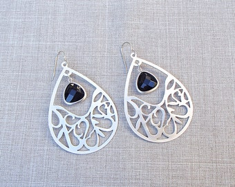 Matte Silver Open Teardrop Earrings with Black Agate Pendants