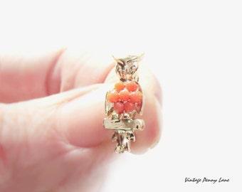 Tiny Vintage Beaded Belly Owl / Bird Pin