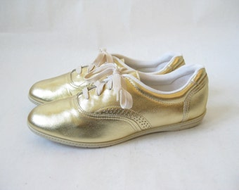 Vintage 80s Gold Metallic Leather Sneakers. Size 8. Like New
