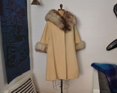 60's lilli ann coat / Snow Queen Vintage 1960's Lilli Ann Fox Fur Trimmed Coat