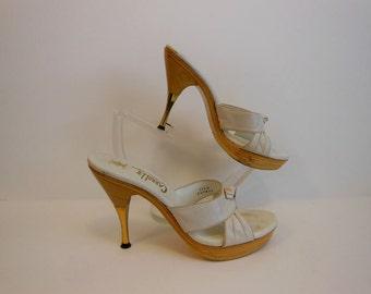 60s shoes /  Vintage 1960's Platform Wood High Heels Mules