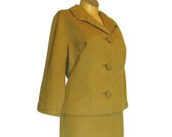 SALE - 1950s 1960s Vintage Woman's Suit in Gold or Yellow Ocher Hand Tailored Jacket and Slim Skirt