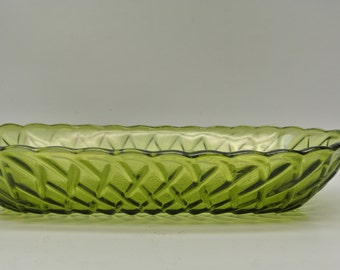 Charming serving dish - choice of green or white glass