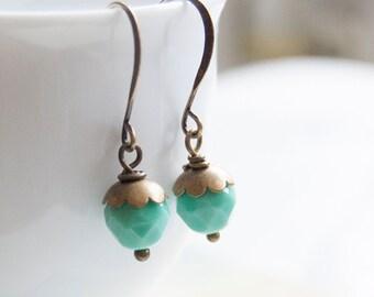 Apple - minimalist beaded earrings
