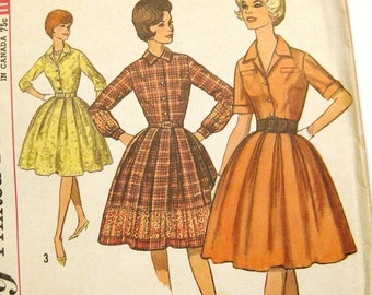 Vintage Sewing Pattern Early 1960s Full Skirt Dress Shirtwaist Dress - Simplicity 4633 / Size 12
