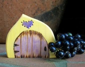 Small Fairy Door Magnet, 2 1/2 inch,  Yellow with Purple Heart