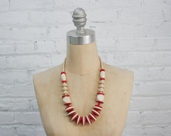 minimalist geometric wood bead necklace / chunky red and cream minimal color block vintage 80s wooden bead necklace