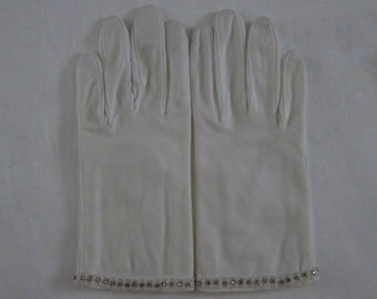 Vintage 1960s Gloves, White Wrist Gloves with Jeweled Trim, Glove Handiforms, Original Bag, Alexandre, Marshall Field and Co, Made in France
