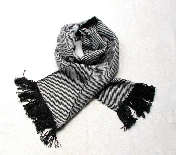 Hand Woven Long Twill Scarf for Men - Italian Extrafine Wool Yarn - Charcoal/Light Grey