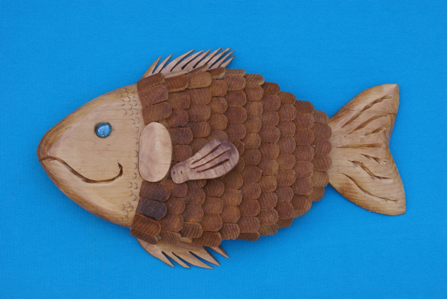 Fish wall hanging wooden fish with individual wood scales for Fish wall hanging