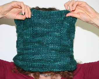 emerald green wool cowl, handknit, basketweave