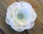Bridal White Flower Flower Fascinator Flower Hair Clip Silk Flower Hair Pin White Fascinator Bridal Fascinator Wedding Hair Piece Head Piece