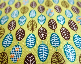 Floral Fabric - Small Leaves on Green - Fat Quarter