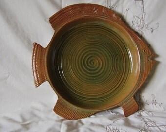 """VINTAGE large Fish Platter Serving signed  Jim Schuld Pottery Art 13 1/2 """"  diam Large Tray Holder Food Serving"""