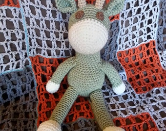 Amigurumi crochet giraffe