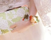Personalized Gift, Bridesmaid Gift, Bridal Green Daisy Flower Lace Clutch 8-inch DAISY etsygift