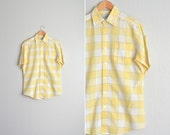 SALE // vintage men's '80s yellow CHECKED short sleeve SUMMER button-up shirt. size m l.