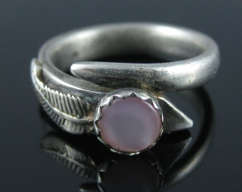 Size 5.75 Vintage Circular Pink Mother Of Pearl Sterling Silver Ring