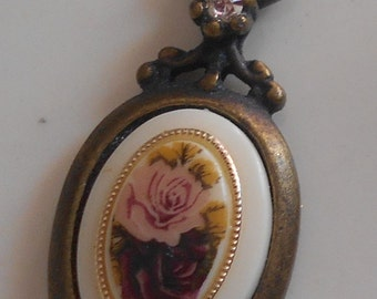 Vintage Pink red Roses Pendant USA