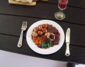 1.12th Scale Dolls House Miniature Food item, Beef Dinner with Pototoe, 2 Veg, Yorkshire Puddng and Gravy