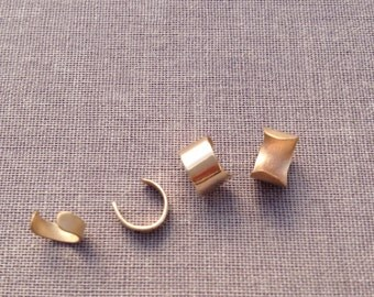 Gold Minimalist Ear Cuff. Hammered.14k Gold Filled. No piercing