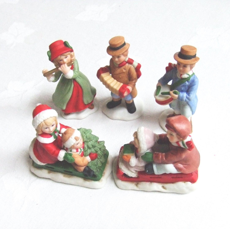 Christmas village figurines porcelain homco