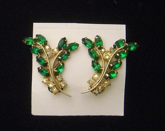 Vintage emerald green navette Earrings aurora borealis