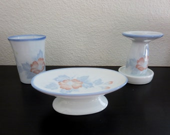 Vintage Porcelain Bathroom Set - 3-piece Toothbrush Holder, Cup & Soap Dish-  Blue and Coral Flowers - Bathroom Accesories - Made in Japan