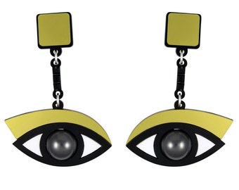 In the Blink of an Eye earrings in gold acrylic