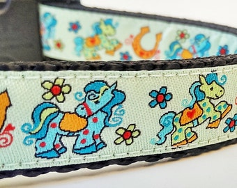 Lucky - Dog Collar / Handmade / Pet Accessories / Adjustable / Horseshoe / Horses
