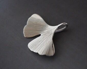 ginkgo biloba pendant in sterling silver