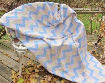 PASTEL vintage quilt , RAIL FENCE , shabby 1950s  cottage, farmhouse,  zig zag, vintage patchwork, homemade quilt, pastel bedcover