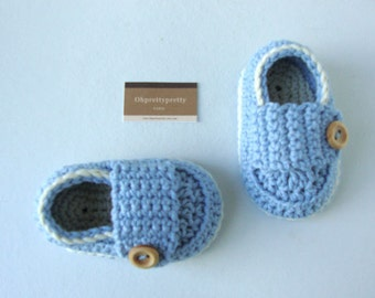 Crochet  baby boy booties shoes little loafers blue sky and cream with gift box