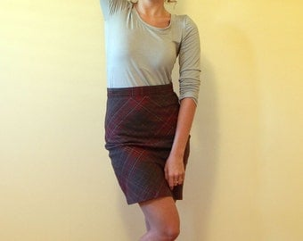 Women's pencil skirt, checkered , with back slit in mocha brown and red cotton