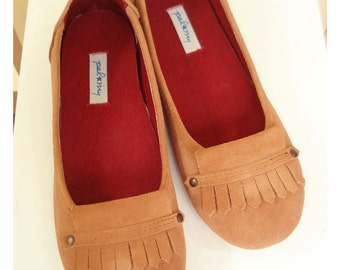 Dolly in Suger Brown and Beige super soft and comfy with arch support and also wide toe shape