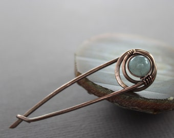 Safety pin style shawl pin, scarf pin with wrapped pale blue aquamarine stone - Aquamarine pin brooch -  Safety pin - SP033