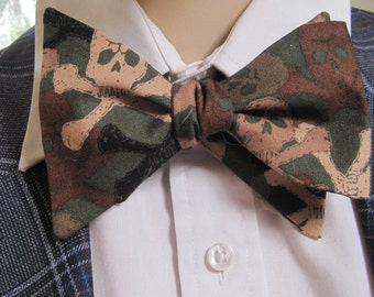 Duck Hunter Skull and Crossbone Bow Tie