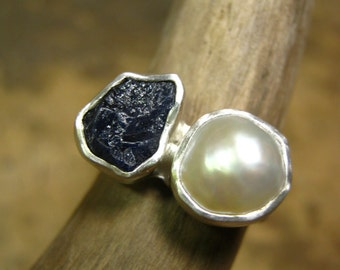 Engagement Ring with Rough Blue Sapphire and White Pearl in Sterling Silver and fine silver
